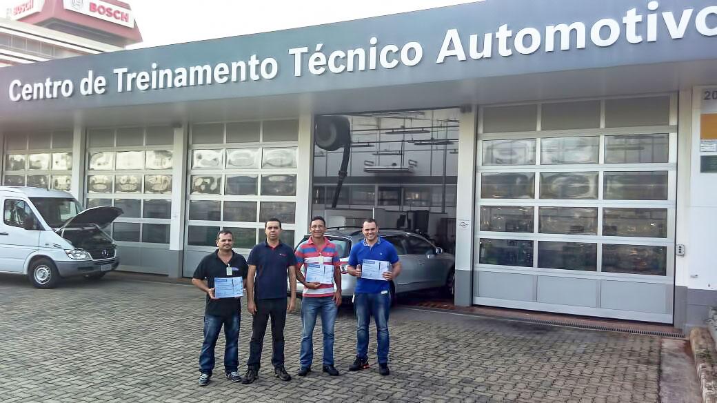 Equipe Aylton Car em treinamento na Bosch